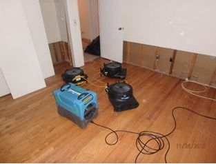 Pipe Break/Flood/ Water Damage/Drying in Progress in Longmeadow, MA (2)
